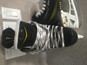 Barely used CCM Tacks - Men's size 10.