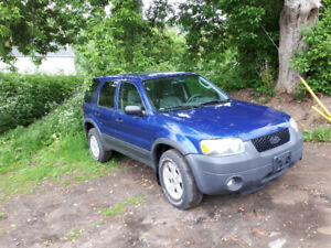Ford escape 2005 dernières chance sinon scrap