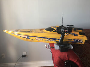 RC high speed boat - Remote control