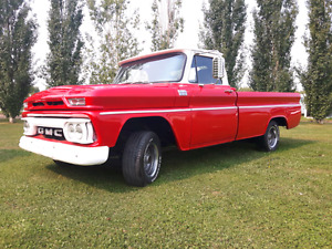 66 GMC . FACTORY  Red/white