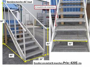 Escalier en métal avec marche antidérapante