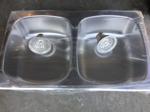 Double stainless steel kitchen sink w/Moen faucet $60