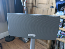 Sonos Play3 and Stand