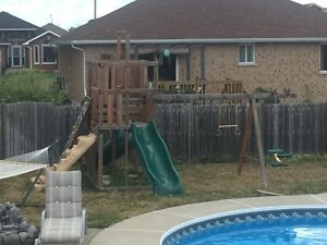 Deluxe Backyard Play Structure