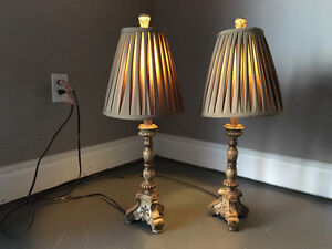 2 night side lamps
