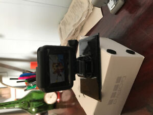 GOPRO 5hero comes in box, with SD Card 32 g.