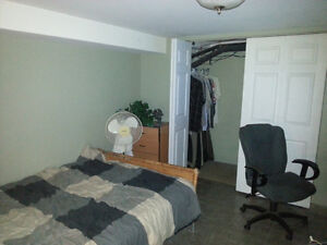 Student Room for rent Sept 1
