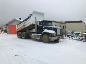 1993 International Eagle 9200s Dump Truck