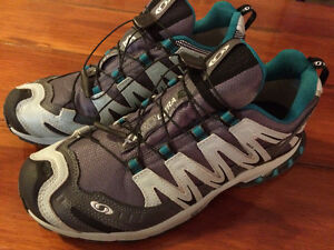 Ladies Salomon Runners - Size 10