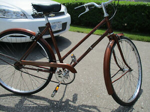 vintage raleigh sports cruiser,made in england,very good shape