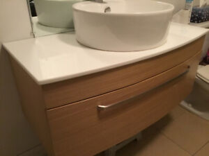 Vanité salle de bain et robinet uberhaus