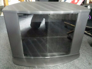 TV STAND GOOD CONDITION/ Will hold any size tv