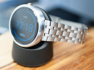 Moto 360 steel with box and charger
