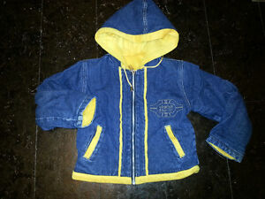 Winter jacket with hoody for toddlers from 2 to 4 year old