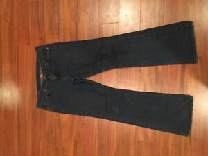 Lucky brand jeans - like new - 33w