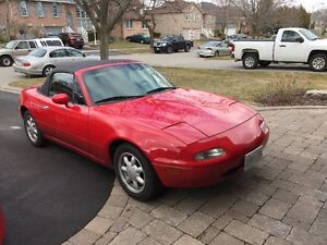 1990 Mazda MX-5 Miata Convertible (MINT)