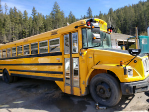 c7357104a7 2007 frieghtliner bus (priced reduced)