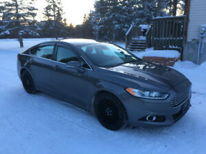 REDUCED Low KMS! Must see- Ford Fusion 2014
