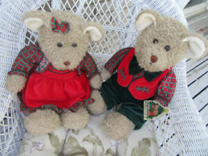 1994 CHRISTOPHER + HOLLY  CHRISTMAS TEDDY BEARS - ONLY DISPLAYED