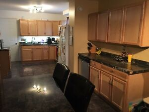 Fantastic centre town home!  Cornwall Ontario image 3