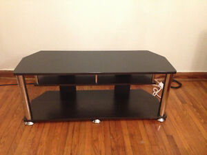 Tv Stand Buy And Sell Furniture In Mississauga Peel Region Kijiji Classifieds