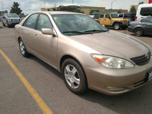 2002 Toyota Camry ***low kms / Great Car for School***