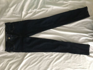 Women's American eagle super stretch dark wash skinny jeans