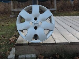 Nissan 15 inch wheel covers