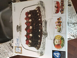 4 in 1 punch bowl, cake plate, veggie tray, serving try