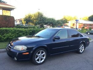 Nissan Maxima 2002. $1000 un peu negotiable