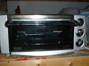 DeLonghi Convection Toaster Oven - MOVING SALE!