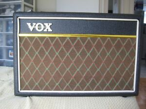 VOX guitar amplifier perfect condition. MADE IN KOREA