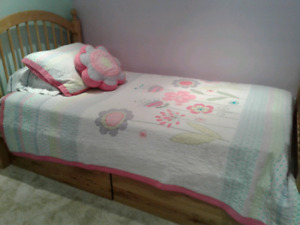Adorable twin size quilt!