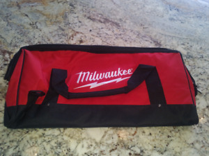 Milwaukee Large Contractor Bag