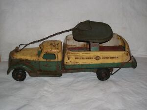 """Buddy L  very old """" SIT AND RIDE """" delivery truck 1930-40 Gatineau Ottawa / Gatineau Area image 1"""