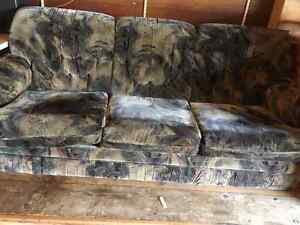 Free Couch Set North Shore Greater Vancouver Area image 2