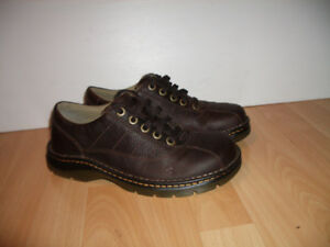 Chaussures shoes near new --- Dr.Martens --- size 8 - 9 US