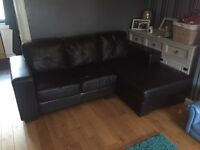 Small corner couch (free before it goes to the dump