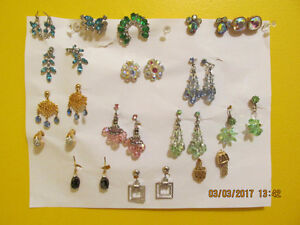 SEVERAL PIECES OF ANTIQUE AND VINTAGE JEWELLERY IN EXC. CONDITIO