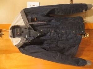 Guess Denim Jacket with hood West Island Greater Montréal image 3