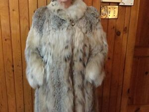 Manteau de fourrure en lynx avec chapeau valeur 8000$ West Island Greater Montréal image 5