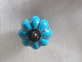 5 Ceramic knobs