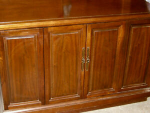 RETRO CLASSIC SOLID WOOD WALNUT BIFOLD DOOR CABINET