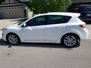 2010 WHITE MAZDA 3 GT