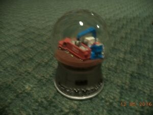 Triple M Metal LP Snow Globe