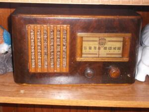 VIKING-1941-ANTIQUE RADIO +3 TRANSISTOR RADIO FOR SALE