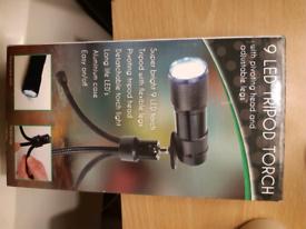 9 LED Tripod Torch