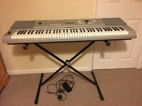 PIANO KEYBOARD YPG-225!! 76 piano-style touch sensitive keys!!