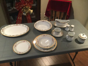 Christmas dinnerware and accessories