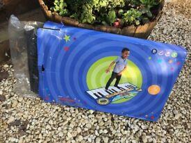 INTERACTIVE PIANO/KEYBOARD BRAND NEW